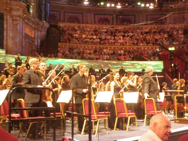 RLPO takes the applause after Richard Strauss 'Festliches Praeludium'