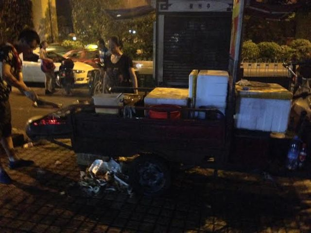 One of the many and varied street food vendors by the hotel