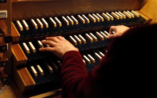 organist_2553023b